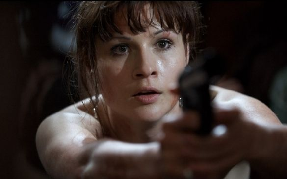 Scarlett Johnson in The Reeds