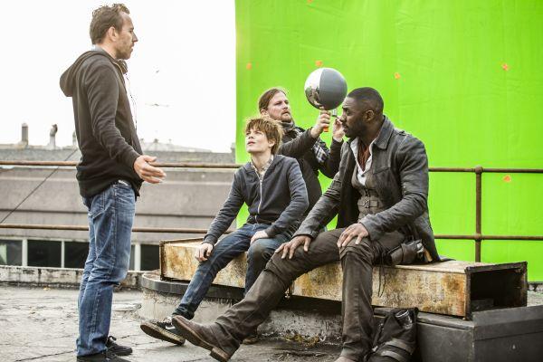 Der dunkle Turm - Regisseur Nikolaj Arcel mit Tom...m Set