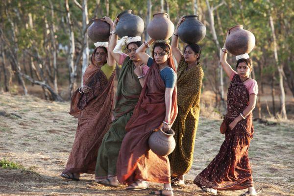 Umrika - Ramas Mutter (Smita Tambe) ist wütend auf...ater.