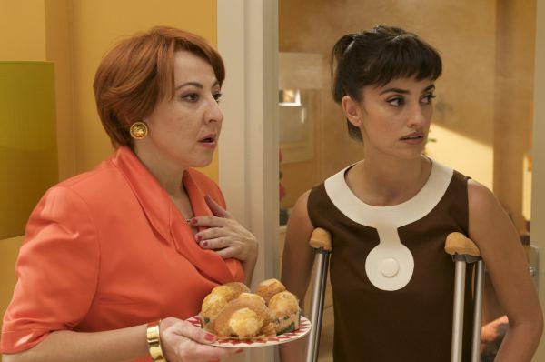 Carmen Machi (Chon), Penélope Cruz in 'Zerrissene...ngen'